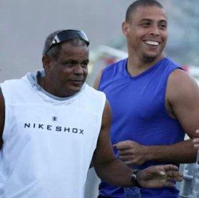 Ronaldo and father Nélio Nazário