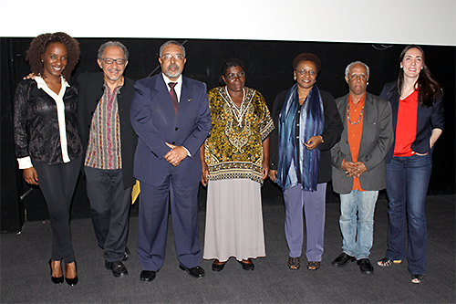 From left to right: journalist Maria Paula, filmmaker Joel Zito, senator Paulo Paim, quilombo resident Miúda, minister Luiza Bairros, president of president of the Palmares Foundation,  Hilton Cobra and American filmmaker Megan Mylan