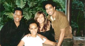 Samba singer Jair Rodrigues, with wife and children, singers Luciana Mello and Jair Oliveira