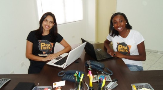 Alana Lourenço and Carolina Lima, the creators of the e-commerce site Prapreta