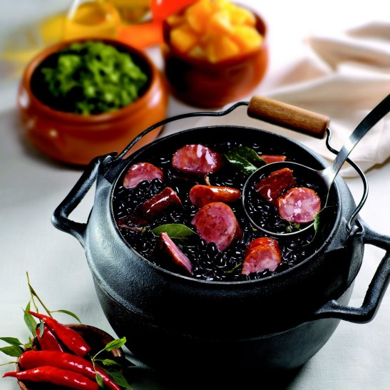 """Brazylijska kuchnia narodowa znana jako """"feijoada"""" ma swoje korzenie w czasach niewolnictwa"""