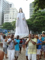 Procession in Rio asks the goddess Yemanjá for protection in 2014