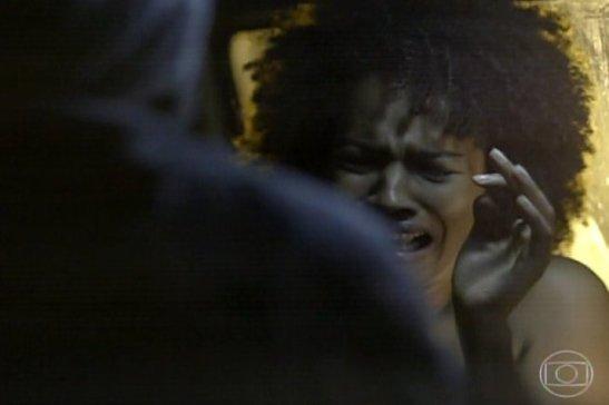 Niedinha in the van scene in the novela