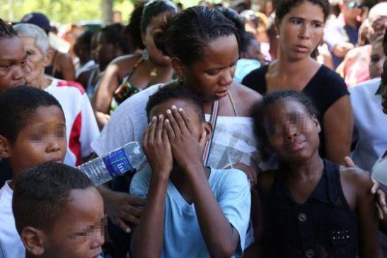 Scene from Cláudia Silva Ferreira's funeral