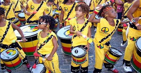 Escola Olodum offers free courses for children and adolescents aged 7-18