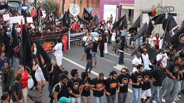 "The ""Reaja ou será morto (a)"" (React or you will be killed) campaign leads the March in Salvador, Bahia"