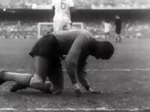 Goalie Barbosa was blamed for the 1950 World Cup Final loss known as the Maracanazzo