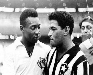 Two legends of Brazilian futebol: Pelé and Garrincha