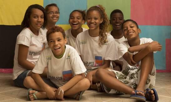 "Students of the NGO Arte de Educar will publish the book ""Cartografia das Práticas Culturais Africanas na Mangueira"""
