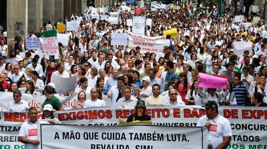 2013 protest of Brazilian doctors against the arrival of Cuban doctors participating in the government's 'Mais Médicos' program