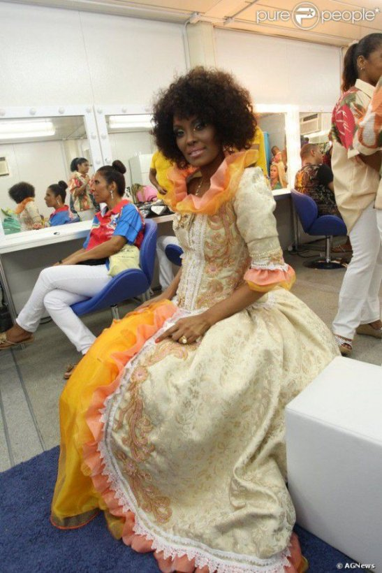 Isabel Fillardis poses in one of the outfits from the show 'Lapinha'