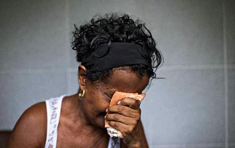 Her mother, Valdicéia, (below) believes it's racism, an hypothesis denied by the commissioner Patrícia Bezerra