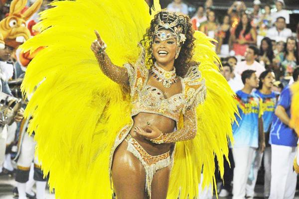 Brazilian carnival 2011 paola 5