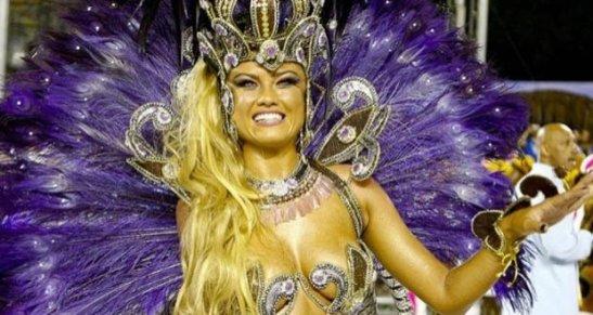 Elle Roche of the Rosas de Ouro Samba School
