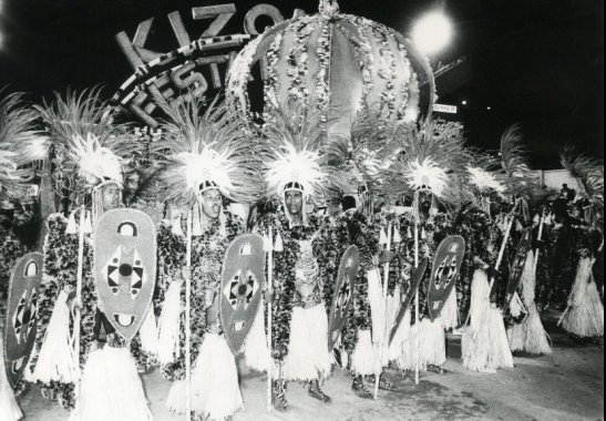 "Vila Isabel - 1988: ""Thank you, Zumbi! A strong scream from Palmares..."". The samba that celebrated the centenary of the abolition of slavery in Brazil under the gaze of the enslaved is one of the most popular sambas of Brazilian Carnival. With it and, on the same day that Martinho da Vila celebrated a birthday, Vila Isabel reached the first Special Group title in its history. Photo: Jorge Araújo"