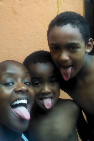 BBB15 participant Angélica with her two sons