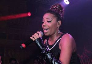 Funk singer Ludmilla during a performace