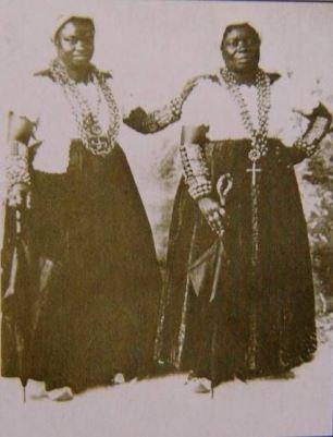 A rare photo photo of Tia Ciata and Tia Josefa - two historic figures of black Brazilian history and culture