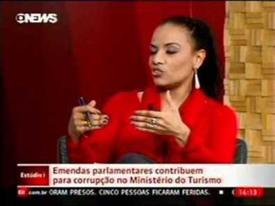 Flávia Oliveira on 'Estúdio I' of Globo News