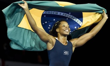 Joice Silva celebrates her gold-winning victory