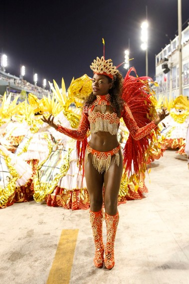 Nayara Justino participating in the União do Parque Curicica Samba School in February