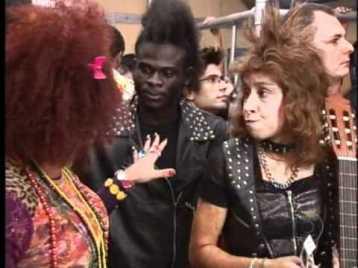 Scene from Zorra Total with go Rodrigo Sant'anna as 'Valéria'