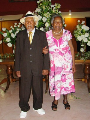 Couple at graduation party of two granddaughters in Vinhedo, SP