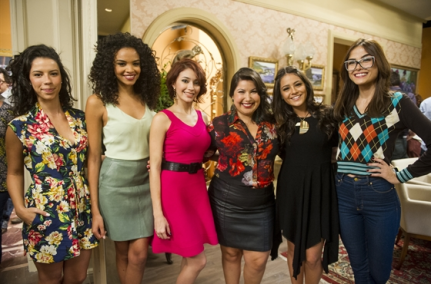 Lucy, second from left, with cast of 'I Love Paraisópolis'