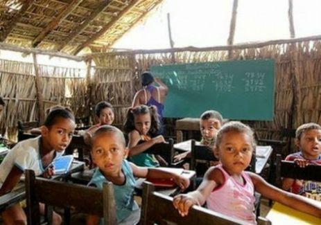 escola_maranhao - Entre as prioridades do governo maranhense estão o fim das escolas de taipa