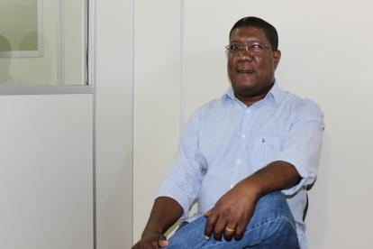 Author and professor Julio Cláudio