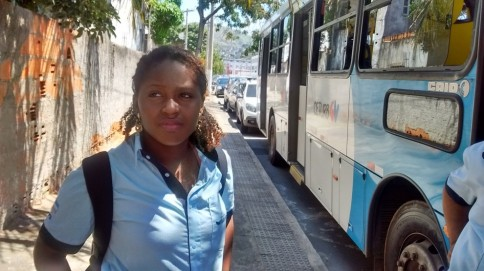 Thaynara Braga, bus cashier