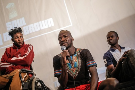 Circuito Fora do Eixo - Pitchou Luambo (center), Congolese refugee, is coordinator of Grists (Group for Refugees and Homeless Immigrants of São Paulo) and one of the exponents of the fight for more rights
