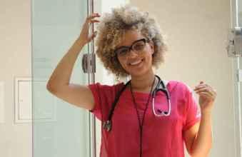 Dr. Júlia Rocha