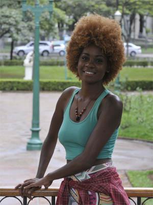 Educacao / A estudante Talita Barreto que foi aprovada no curso de engenharia da UFMG nas vagas reservadas a cotistas.
