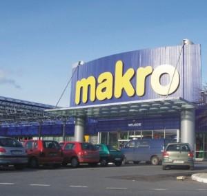 Rede de supermercado é condenada a pagar R$ 500 mil de indenização para funcionária por racismo