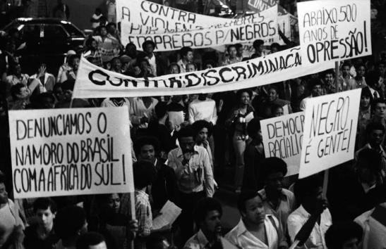 A discriminação e a violência contra os negros foram os principais temas do protesto