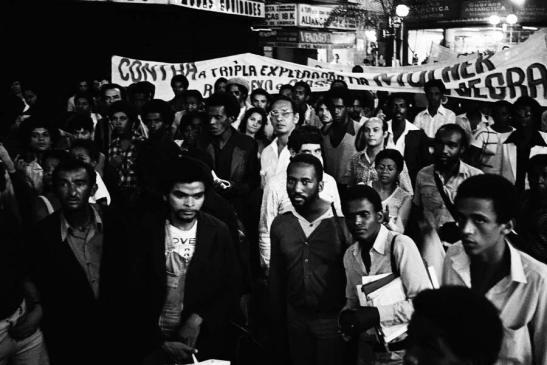 A manifestação chamou a atenção para a condição social e de vida dos negros brasileiros