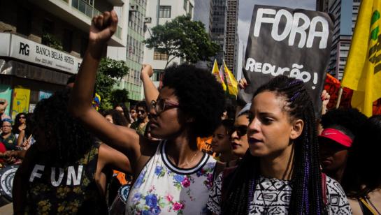 Dia da Mulher - Negras brasileiras sofrem preconceito no mercado de trabalho (MdCN em SP 2015)