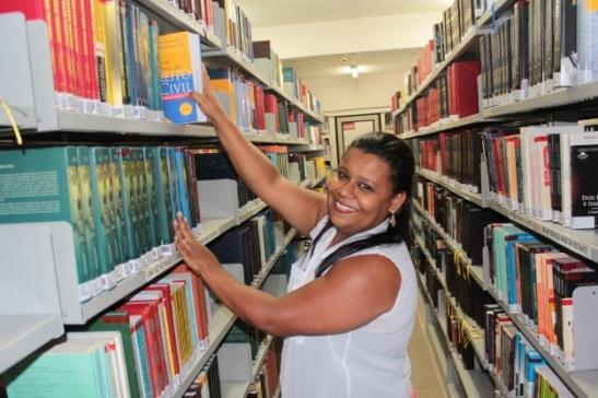 Empregada doméstica consegue passar na OAB - Rita de Cássia Pereira Costa de 31 anos