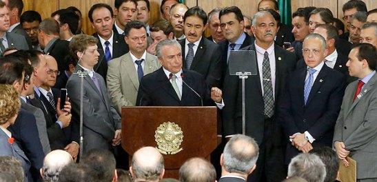 Michel Temer discursa durante cerimônia de posse dos ministros