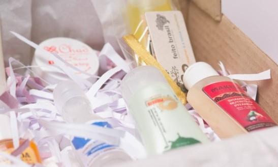 empresa-lanca-caixa-da-beleza-com-produtos-exclusivos-as-mulheres-negras-a-afro-box-2