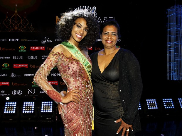 miss-brasil-2016-raissa-santana-com-a-mae-roseneide-oliveira-santana-celso