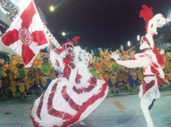 Priscila-Rosa-porta-bandeira-do-Sagueiri-Carnaval-do-Rio-2001-1024x765