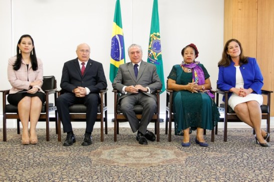 12.04.2017 CERIMÔNIA DE ASSINATURA DE ATOS EM PROL DAS MULHERES