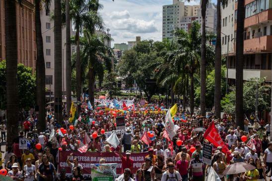 Saímos às ruas de Belo Horizonte, com mais de 100 mil pessoas