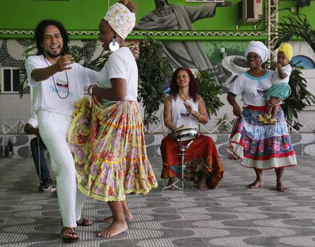 Grupo Dandalua de danças populares será uma das atrações da feira