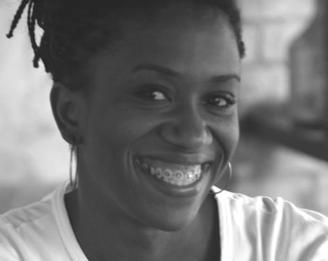 Questionada se 'faz faxina_, historiadora negra responde – 'Não. Faço mestrado. Sou professora_