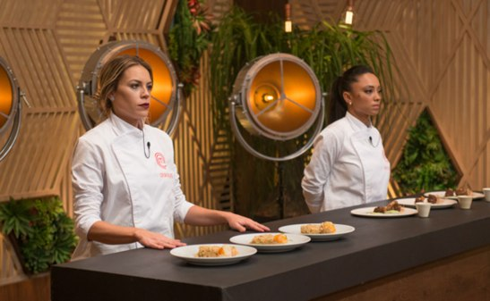 Deborah Werneck and  Michele Crispim compete on Master Chef Brasil