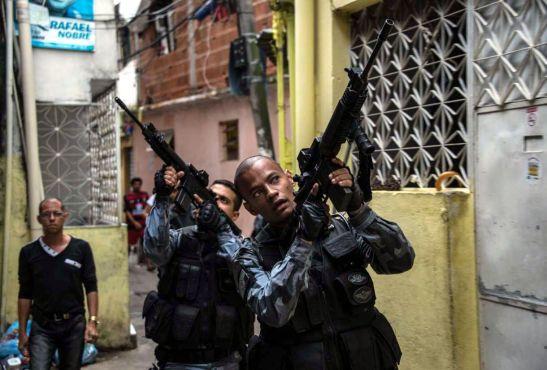 Dos-policías-de-elite-son-heridos-de-bala-en-una-favela-de-Río