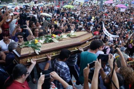 enterro-marielle1 - Copy